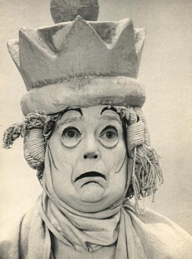 """Eva LaGallienne as """"The White Queen"""""""